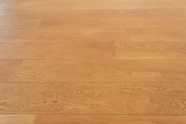 čištění laminátové podlahy