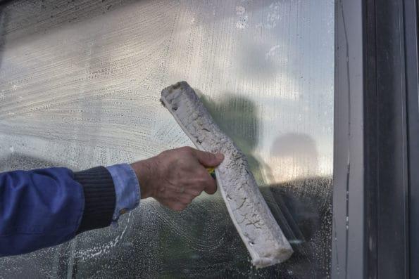 čištění a leštění oken