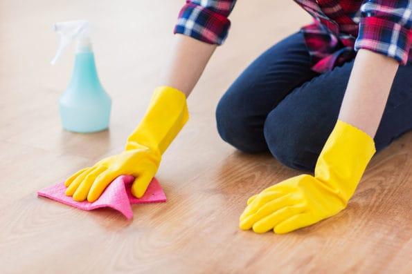 jak nepoškodit podlahu