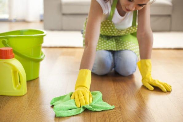 léty zašlá podlaha