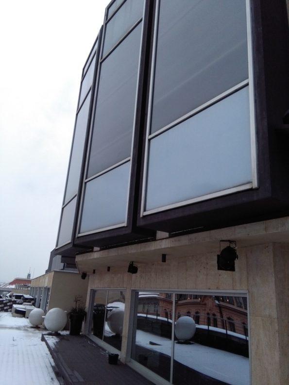 jak na velké plochy oken